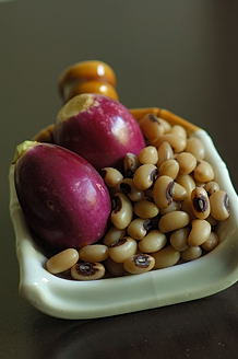 Brinjal and Blackeyed Beans (Vankaya , Alasanda)