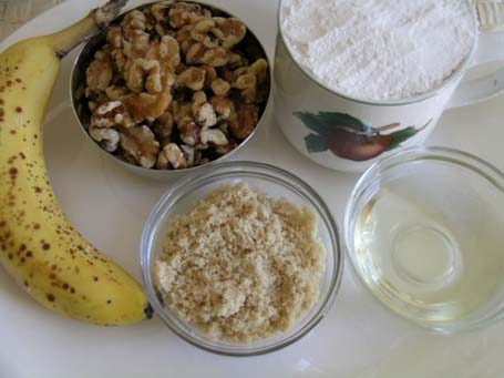 Banana-walnut cake Ingredients