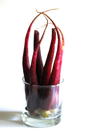 Peeled Maroon Carrots
