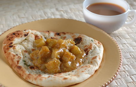 Chayote Kurma with Naan and a Cup of Tea