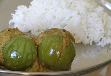 Stuffed Brinjal Curry(Gutti Vankaaya Kura) with Rice