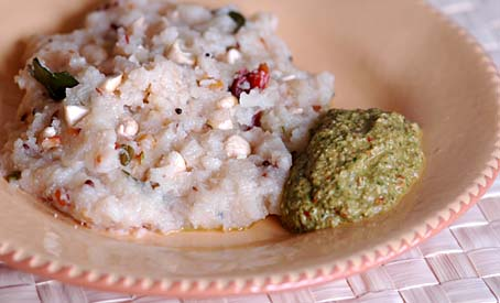 Semolina Upma and Methi Chutney