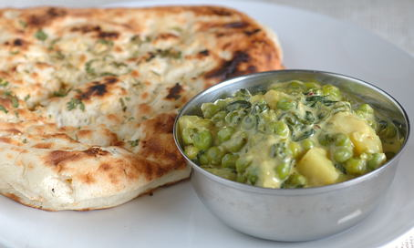 Methi Matar Malai with Garlic Naan