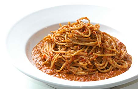 Spaghetti in Chilli-Red bell pepper- peanut sauce