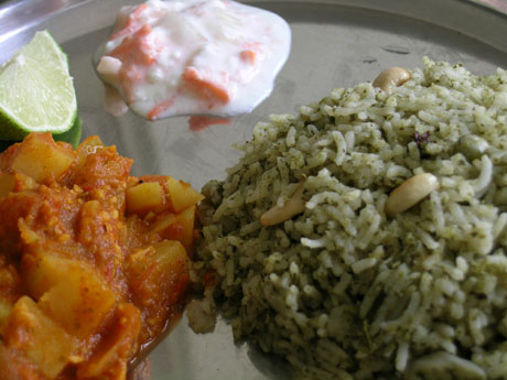 Mint pulao, Potato kurma, Raita and lemon wedge