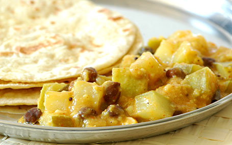 Bottle gourd curry with chapatis
