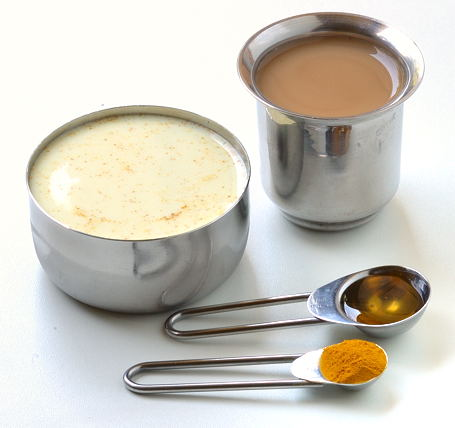 haldi milk in hindi